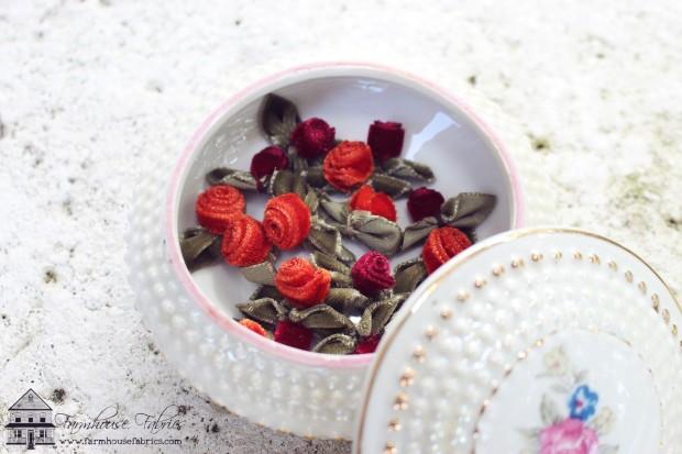 FarmhouseFabrics Velvet Roses